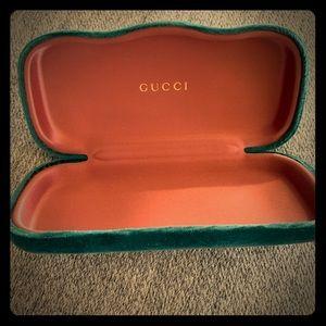 Velvet GUCCI glass case